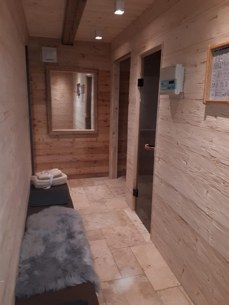 Sauna Travertin